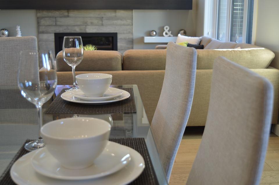 Krzesła do jadalni nowoczesne – które wybrać?