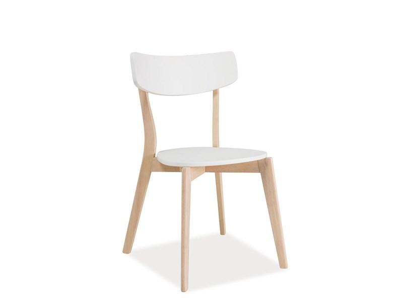 Wygodne krzesła, a przyjemne biesiadowanie w jadalni